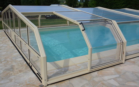 Abris mi-haut piscine