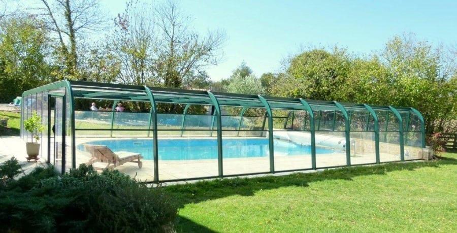 Pourquoi choisir un abri pour protéger sa piscine ?